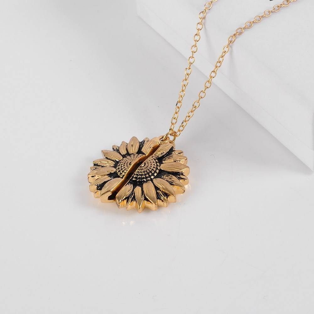 Women's Bohemian Sunflower Shaped Pendant Necklace Chains & Necklaces a1fa27779242b4902f7ae3: 1|2|3|4|5|6